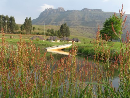 Hiking on the roof of Africa - Northern Drakensberg Amphitheatre